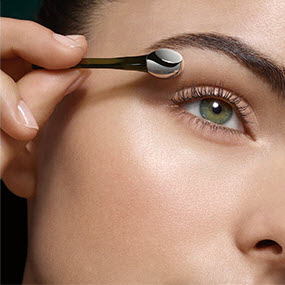 lamer_the_lifting_eye_serum_step1