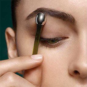 lamer_the_lifting_eye_serum_step3